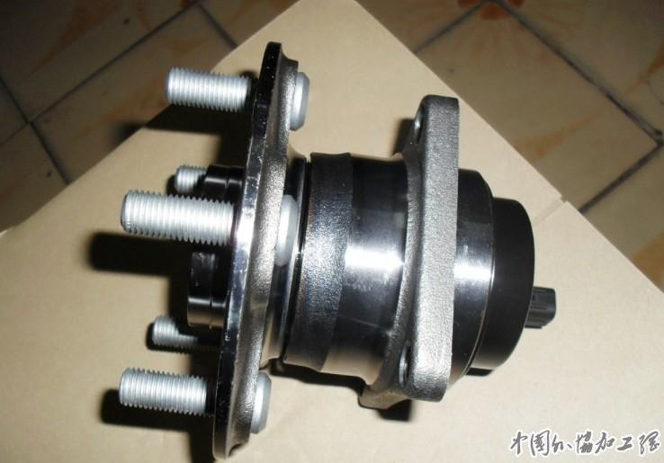 寻求汽车轮毂轴承 轴头加工高清图片